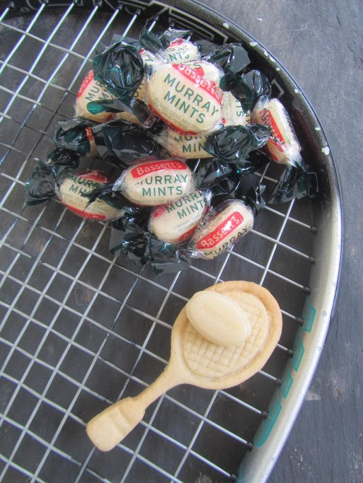 A lovely idea for your Wimbledon party. Tennis racket biscuits and Murray mints.