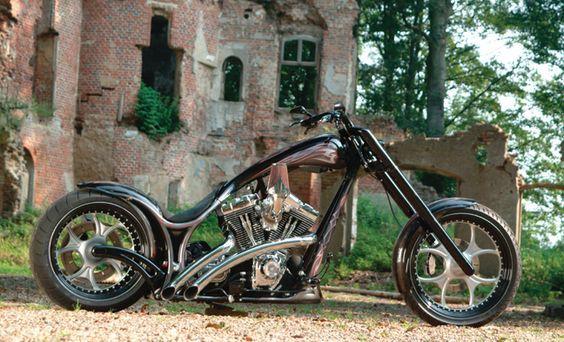 gothic custom chopper_2