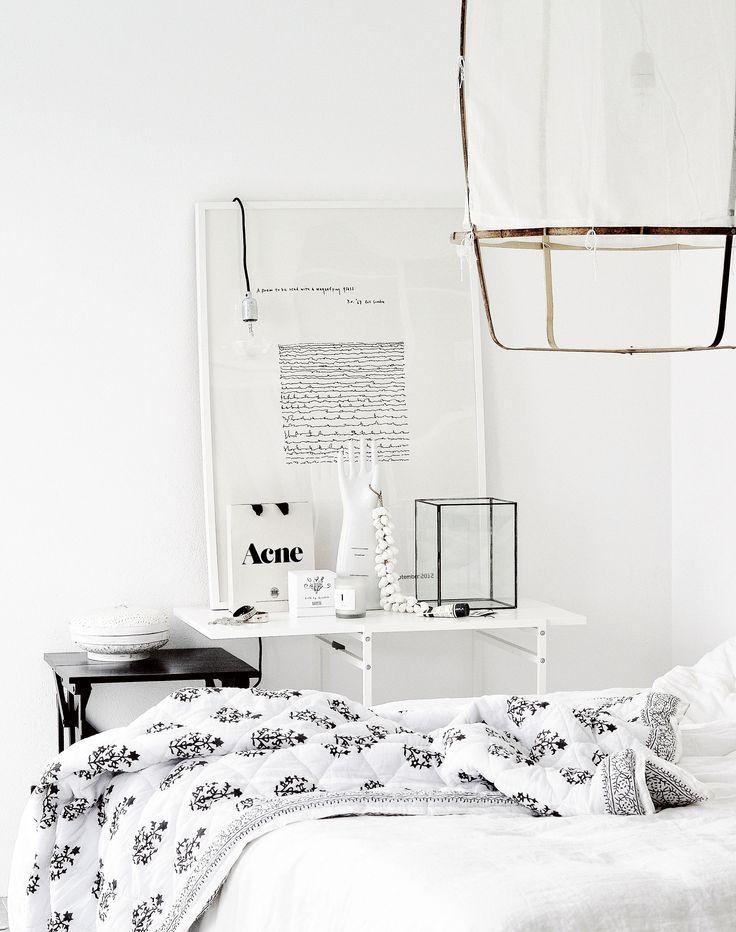 White scandi bedroom. Via vertage