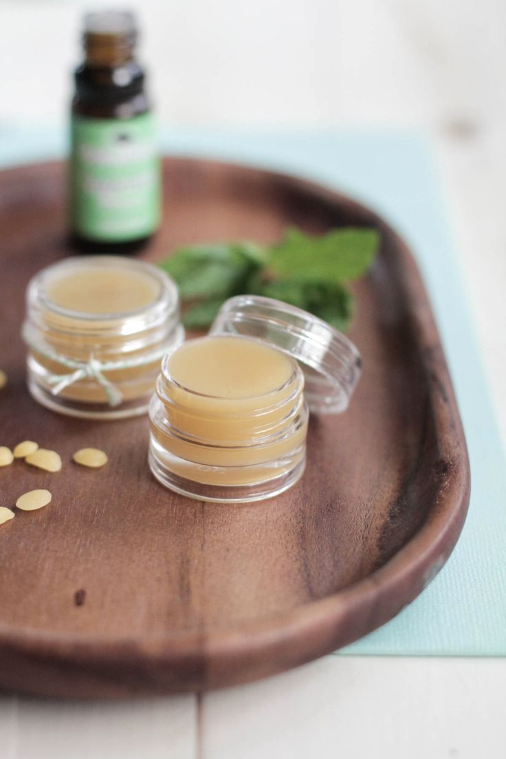 If you love natural beauty products, check out this DIY Homemade Peppermint Lip Balm! It's so easy to make, and is super moisturizing. It's also good for headaches!