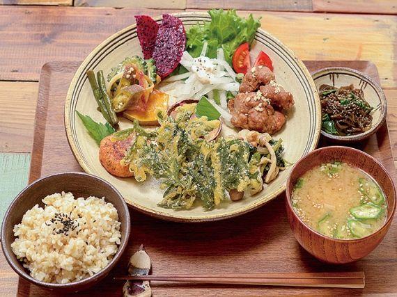 リッカドッカ沖縄ナビ - 自然食とおやつ mana [国際通り周辺・カフェ・ファストフード]