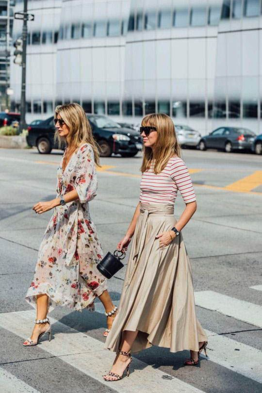 0c5fc20bd Midi Dress street style fashion / Fashion week #fashionweek #fashion  #womensfashion #streetstyle #ootd #style #mididress / Pinterest:  @fromluxewithlove