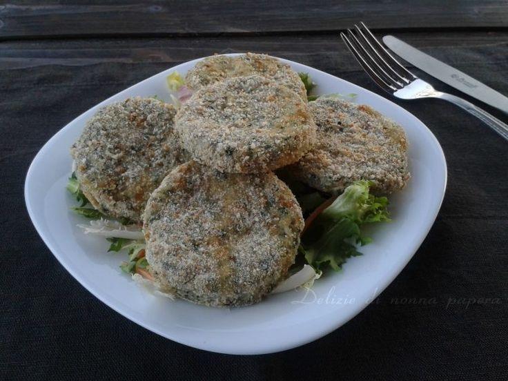 Ricetta light per preparare le spinacine al forno con pollo e spinaci in modo facile a casa. Il rimedio ideale per far mangiare le verdure ai bambini