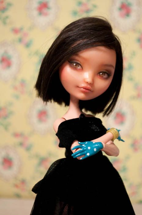 Lady Charlotte  Monster high Ever After repaint by HRDolls on Etsy