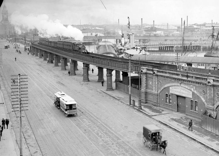 Looking over the Yarra from Flinders St around 100 years ago (no idea what the source is)