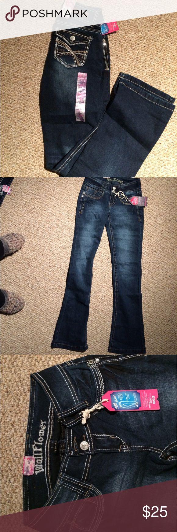 NWT Wallflower Jeans Wallflower boot cut jeans Wallflower Jeans Boot Cut