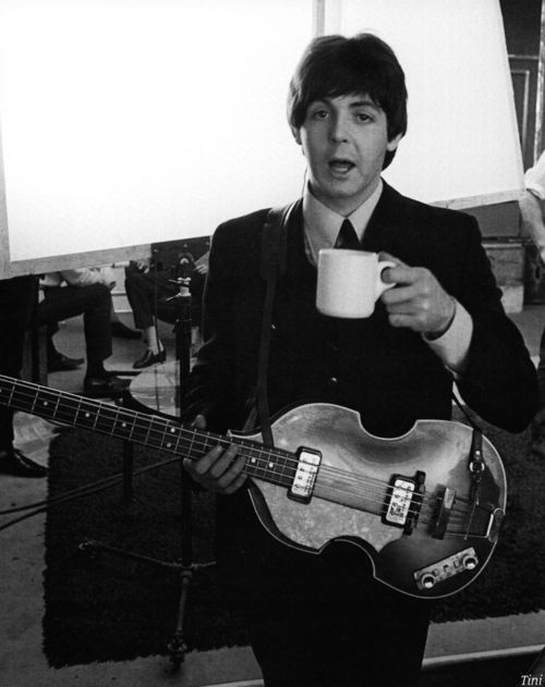 who played bass guitar in the beatles