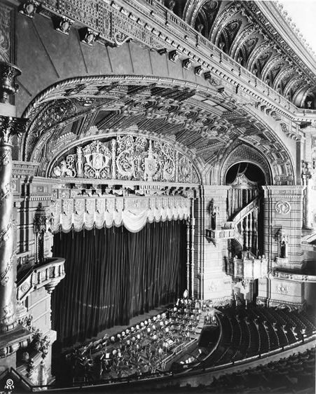 Vintage New York City:   The Roxy Theater in New York had 5,920 seats. 1927-1960.