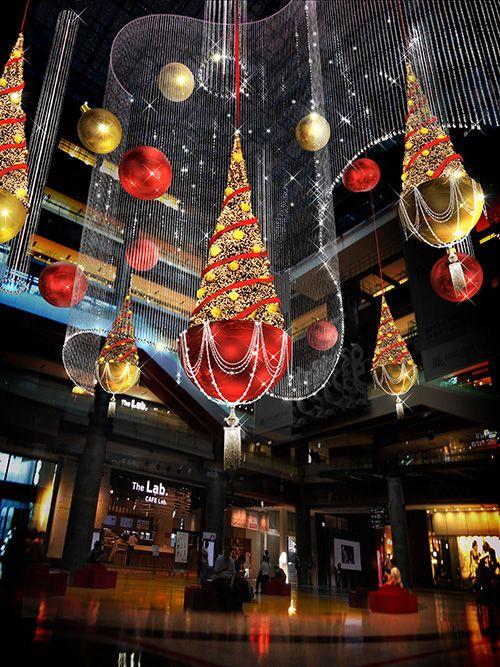 UMEKITA,OSAKA(nov29,2013,グランフロント大阪、初のクリスマス「うめきた広場」にシャンパンゴールドのイルミネーションの写真)