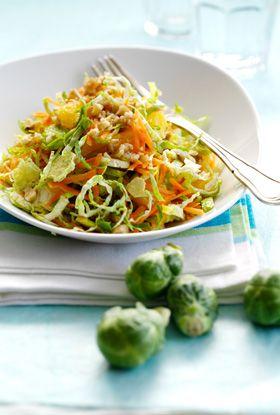 Rosenkålssalat med valnødder En dejlig og kalorielet salat fra Familie Journals slankeklub