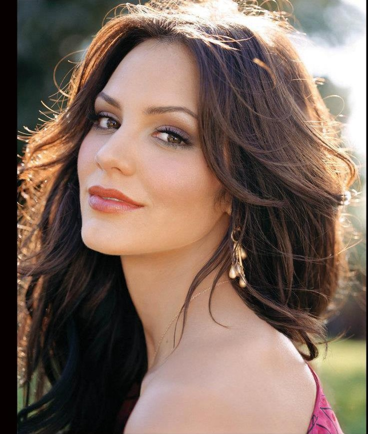 Katharine McPhee from SMASH..beautiful makeup and hair