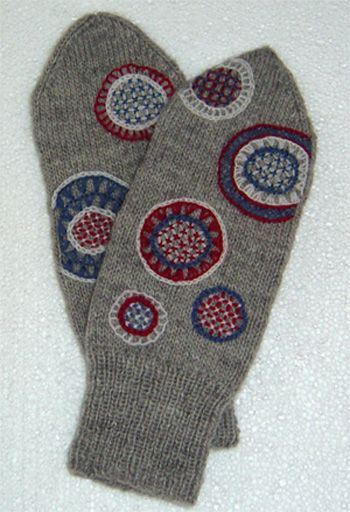 Embroidered knitted mittens, inspired by Halland and Jämtland embroidery.