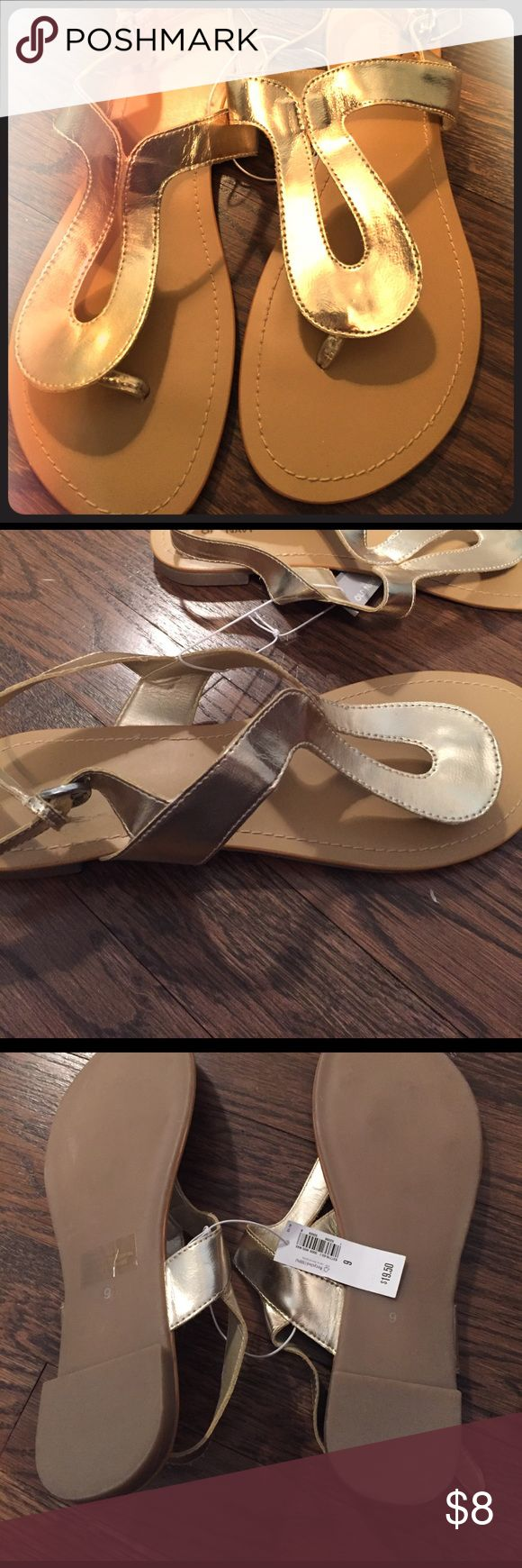 NWT old navy gold flat sandals Summer is coming! Never worn! Make me an offer Old Navy Shoes Sandals