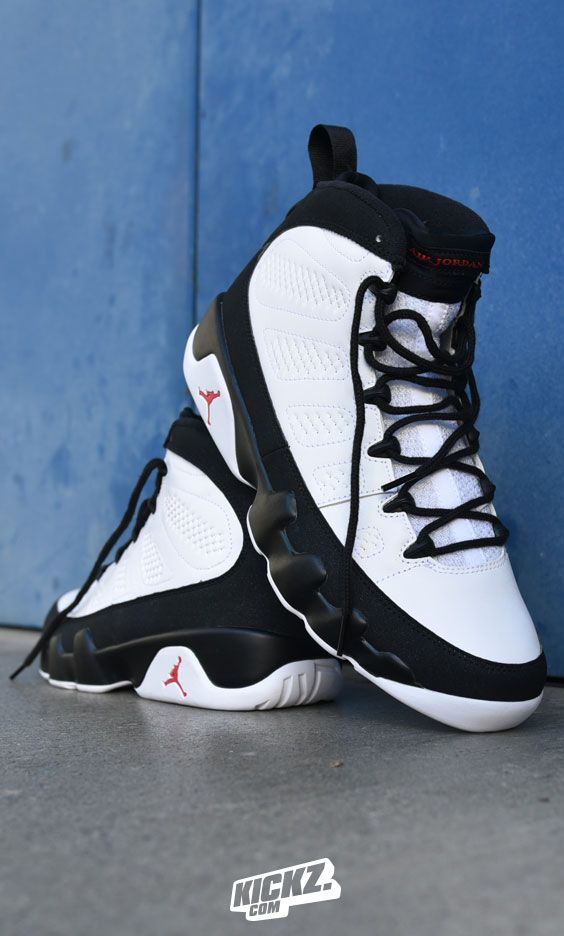 Air Jordan drops the Jordan 9 in a decent White / True Red / Black colorway. Pure classic!