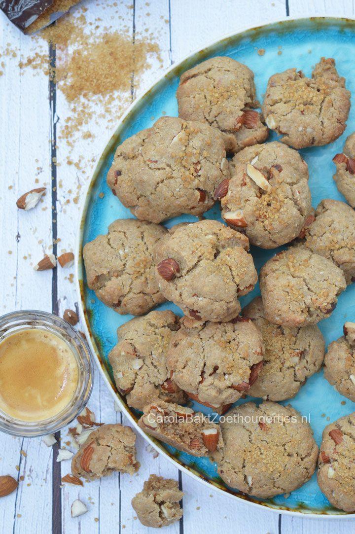 Glutenvrije koekjes met amandelen en boekweitmeel  Gluten-free cookies with almonds and buckwheat flour