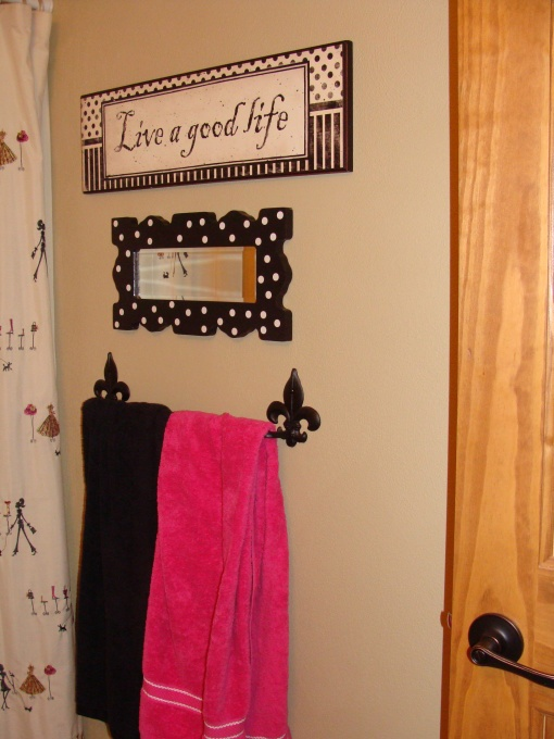 Pink and black paris bathroom decor bathroom design ideas for French themed bathroom accessories