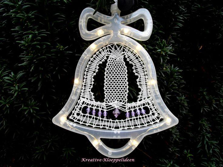 Weihnachtsdeko - Geklöppelte Glocke im Leuchtrahmen - lila - ein Designerstück von Kreative-Kloeppelideen bei DaWanda