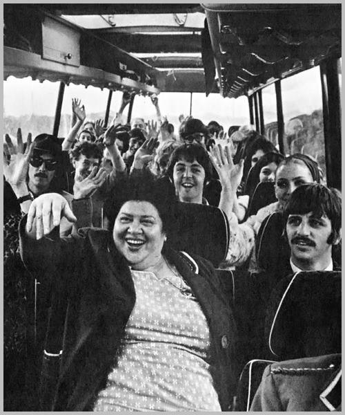 ♡♥Beatles 'Magical Mystery Tour' bus is rolling full in 1967 movie♥♡
