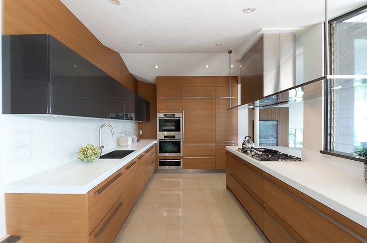 Dekora Home Staging - Modern Kitchen Renovation