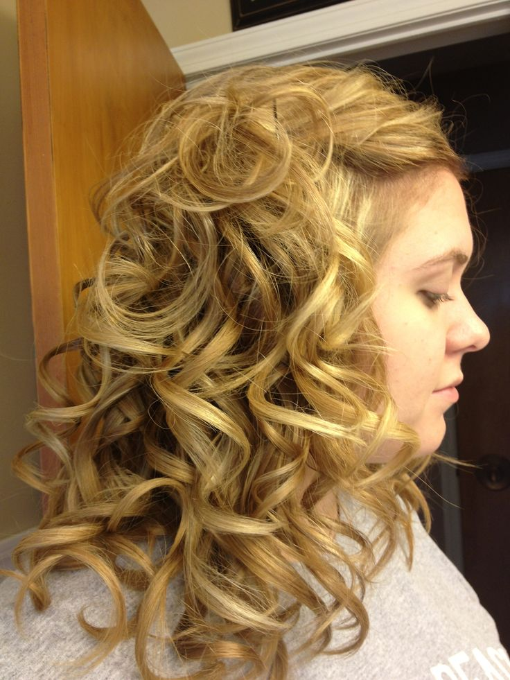 Hair curled with babyliss miracurl