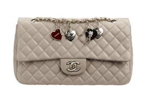 Chanel matelassé San Valentin blanco