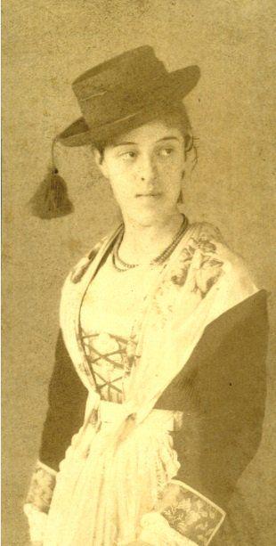 Carolina Borromeo (1864-1925), moglie del barone Giuseppe Bagatti Valsecchi di Belvignate (1845-1934).