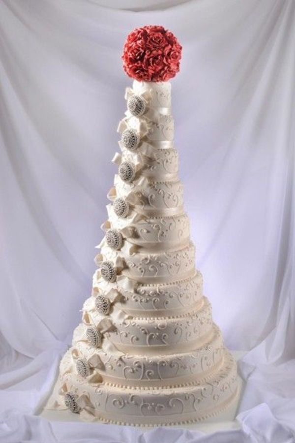 biggest tier wedding cake 1000 ideas about wedding cakes on 11741