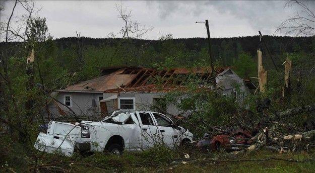 Al menos dos muertos y 20 heridos por tornado en la costa de Virginia - USA Hispanic -