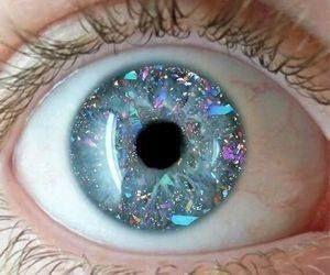 Just Pinned to Eyes: eyes http://ift.tt/2pZiUg7