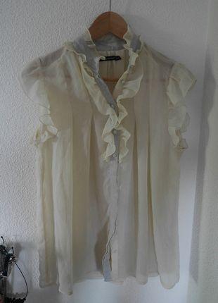 A vendre sur #vintedfrance ! http://www.vinted.fr/mode-femmes/tuniques/14768648-tunique-volantee-transparente-beige-primark