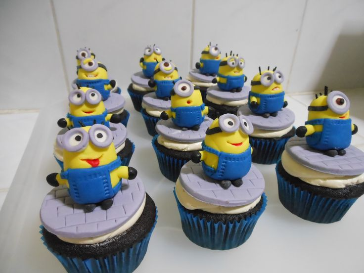 Misty, this is what Holly wants..but would a you add a Texas Rangers hat or would you do a T on the front of the overalls  Minion cupcake