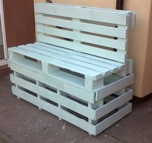 benches made out of pallets | Pallet bench