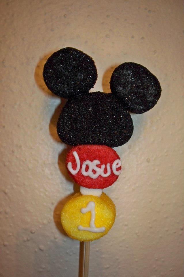 Mickey mouse marshmallow pop