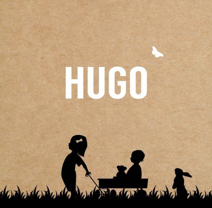 Vintage en stoer tegelijk, dit geboortekaartje Hugo met een ouderwets silhouetje van een meisje dat haar broertje trekt in de bolderkar. Je kunt zelf de silhouetjes aanpassen voor jongens of meisjes geboortekaartjes.