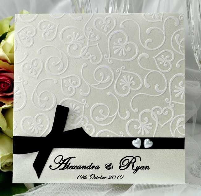 Grace - Invitaciones de boda Invitación de encargo de la boda Papelería Y Crema Con Corazones de terciopelo textura Cinta Negro Con Arco Y Dos Corazones Perla