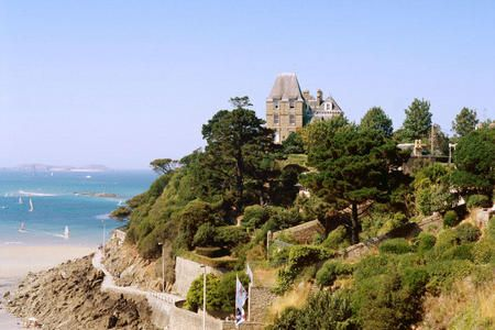 17 best images about ille et vilaine bretagne france on pinterest frances o 39 connor old - Office de tourisme de dinard ...