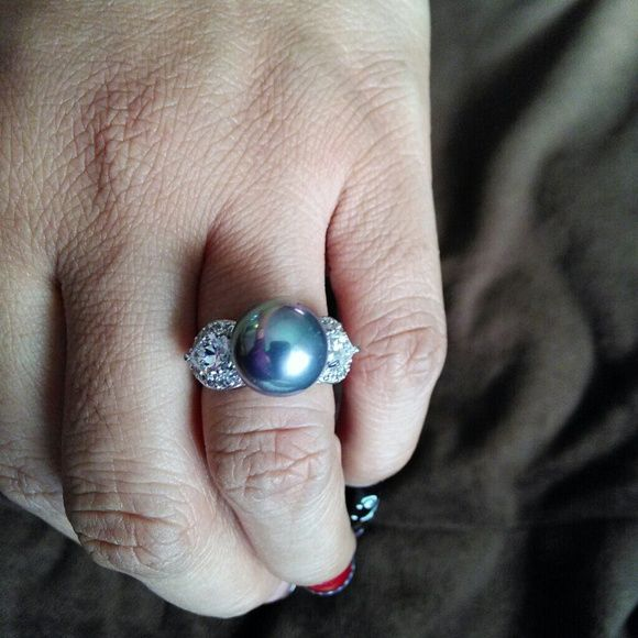 Black pearl diamond ring ✔sale sorry at this time  No trades and all  sales are final.  this a gorgeous freshwater black pearl  diamond access ring  regular price $100. Jewelry Rings