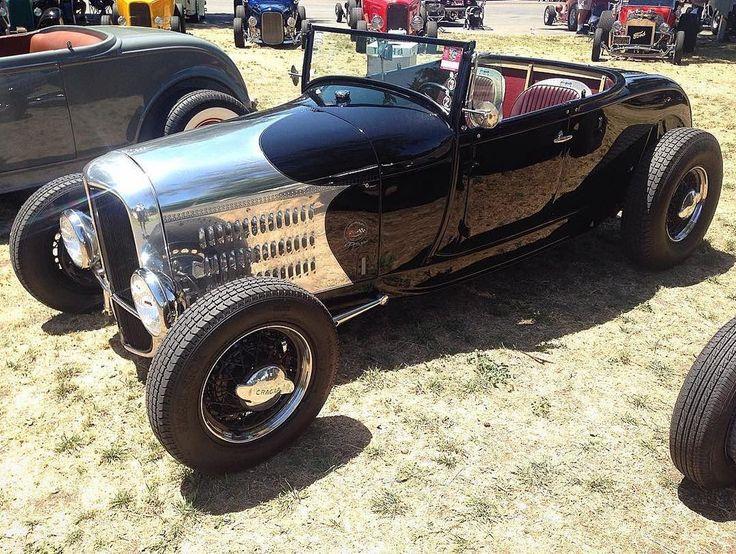 Heart of Chrome #fuel32  @trbobber  See more at Fuel32.com Click link in bio  #1932ford #1931ford #1930ford  #1929ford #1928ford #32ford #highboy #deuce #coupe #hamb #ford #1932 #hopuplive #streetrod #hotrod #5window #3window #roadster #modela  #traditionalhotrod #roddersjournal #livingthehighboylife #americanhotrodfoundation #roadsterclubscandinavia  #gasolinemagazine #lars #laroadstershow