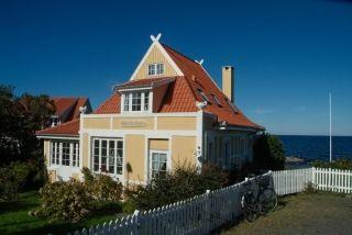 TRADITION: Bornholm har en meget lang tradition for at bruge tegl i byggeriet. Allerede tilbage i middelalderen blev der produceret tag- og mursten på solskinsøen midt Østersøen.