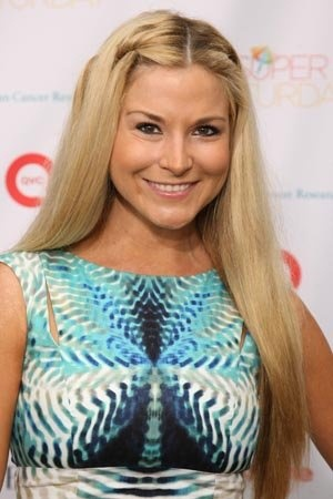 Diem Brown candidly shares her cancer battle, including hair loss.  I don't usually care for any reality star, but Diem's journey has always been an inspiration.  I can't even begin to imagine the strength it would take to go through this. ♥