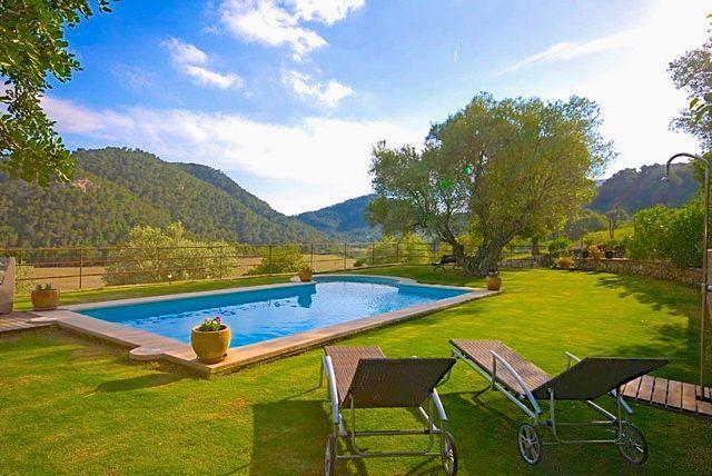 Gemütliches Finca - Landhaus für die kleine Familie 2 Erwachsene und 2 Kinder mit Pool, Klimaanlage und Panoramablick inmitten der einzigartigen Gebirgslandschaft der Serra de Tramuntana im Inselnorden - Für einen spannenden Mallorca Familienurlaub