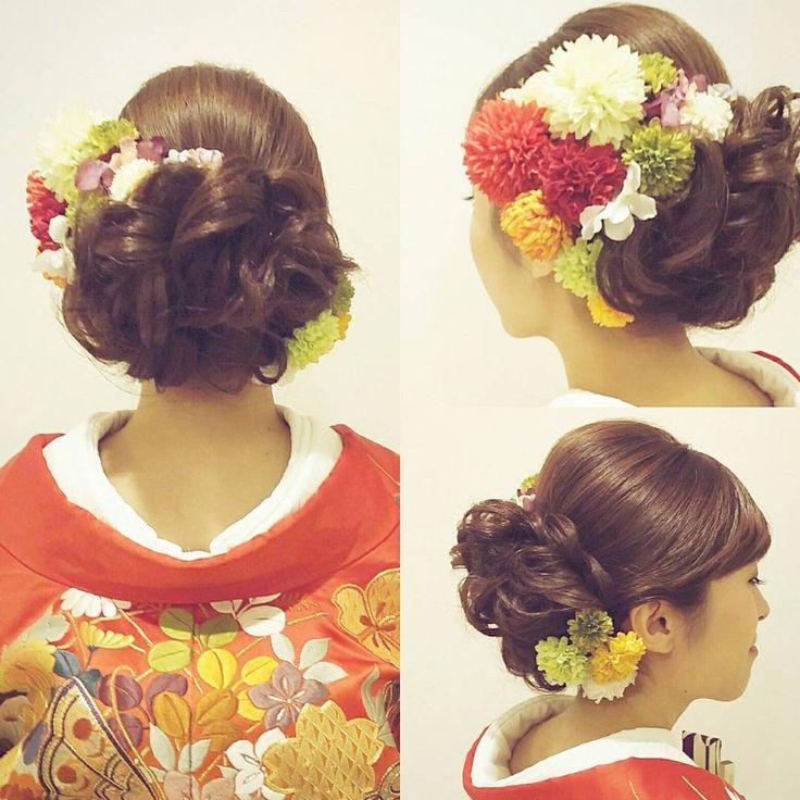 先日の和装ロケーション撮影のお客様 トップに高さを出して バックスタイルはモコモコと大きめに 着物の色に合わせてお花をたくさん付けました 去年撮影してくださったお客様からのご紹介でした ありがとうございました(^^) #ヘア #ヘアメイク #ヘアアレンジ #結婚式 #結婚式ヘア #ウェーブ #ブライダル #ウェディング #名古屋 #バニラエミュ #セットサロン #ヘアセット #アップスタイル #ヘアスタイル #プレ花嫁 #ゼクシー #前撮り #アクセサリー #和装 #撮影 #ファッション #成人式 #振袖 #style #photo #cute #hair #wedding #hairarrange #hairmake