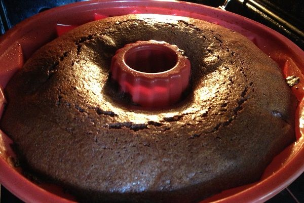 Flourless Chocolate Cake recipe at Lipstick and Leisure - http://lipstickandleisure.com/