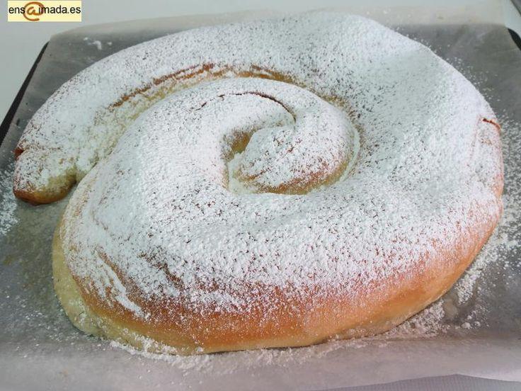 Ya tocaba hacer una receta de ensaimada, menudo blog de recetas sobre la ensaimada de Mallorca en la que yo no había aún hecho la receta :) ...