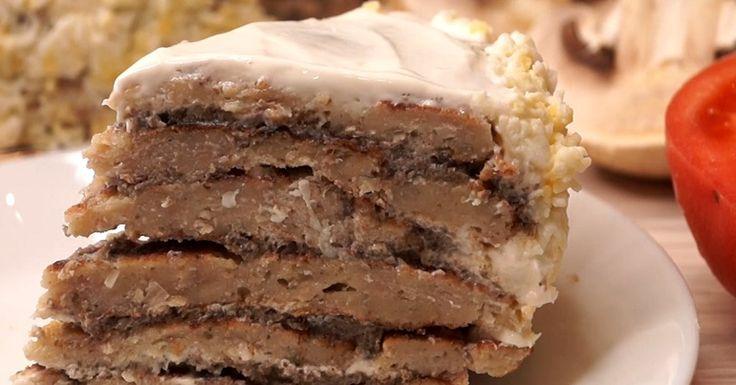 Особенно такую закуску оценят мужчины: сытно, оригинально и очень вкусно. Торт настолько простой в приготовлении, что с ним справится каждая хозяйка. Продукты нужные самые простые: никакой экзотики. Начинка может быть любой, но эта – самая любимая.