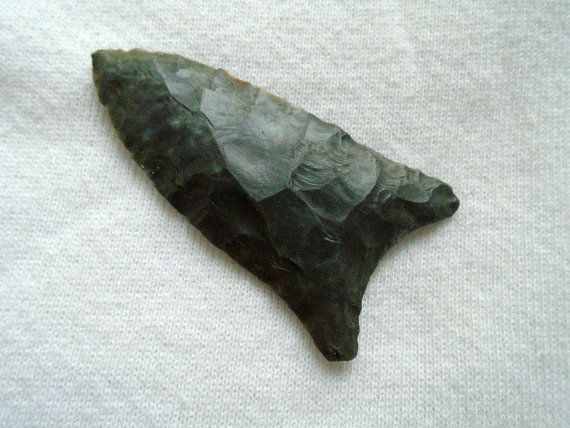 FOR SALE - G9 Paleo Quad Arrowhead, Jefferson Co.Indiana w/COA. Asking Price $125.00 - This is still for sale, it is listed on my daughter's eBay website.