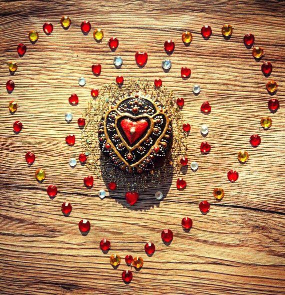 Mandala stones heart jewelry painted stones henna women