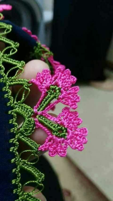 Crochet flower edging