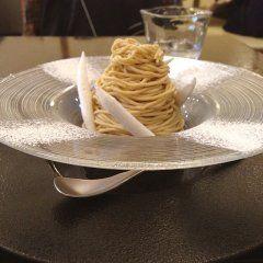 東京都台東区にある和栗やはモンブラン好きなら絶対に行った方がいいお店 モンブランデセルっていうモンブランがあるんだけどこれが上品な甘さで美味しい( 栗の持つ香りや味わいが活きてるから栗のスイーツが好きな人はハマると思います 落ち着いた雰囲気のお店だからデートで使ってもいいかも(  #東京 #スイーツ #栗 #モンブラン #カフェ #台東区 tags[東京都]