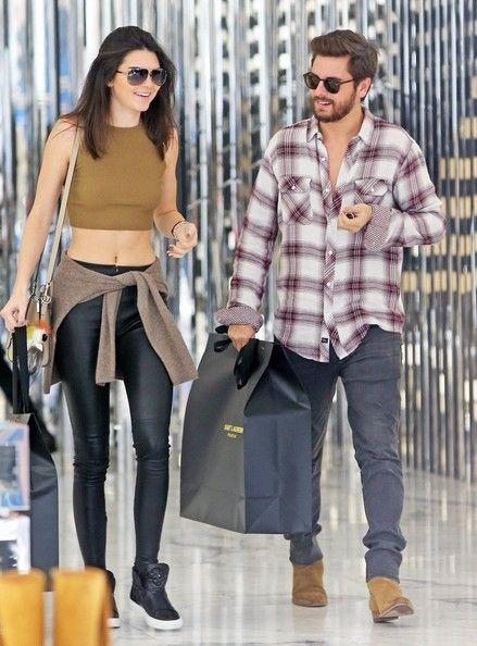 Kendall Jenner Photos - Kendall Jenner & Scott Disick Shop In Beverly Hills - Zimbio